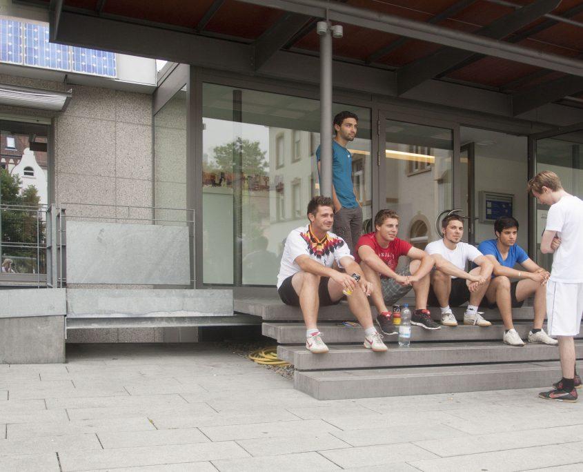 KL Freiburg Eingangsbereich Auszubildende